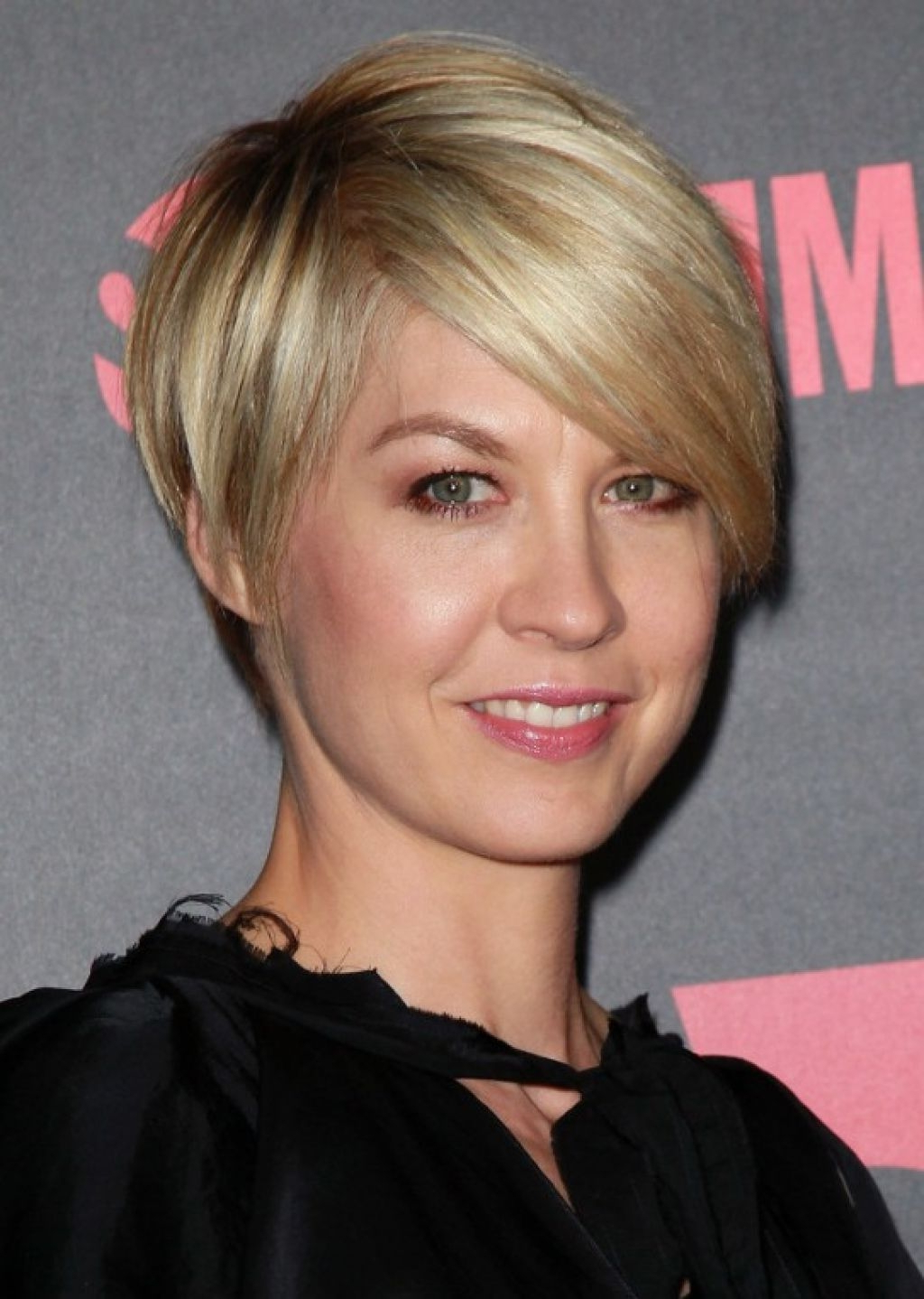 Beautiful Medium Short Hairstyles For Thin Hair Gallery Styles Under In Short Hairstyles For Thin Fine Hair (View 17 of 25)