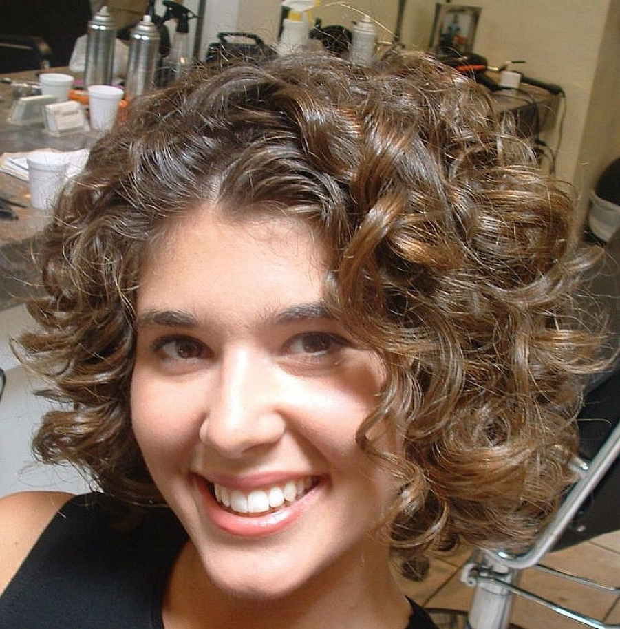 Best Hairstyle For Curly Hair Of Round Face (View 7 of 25)