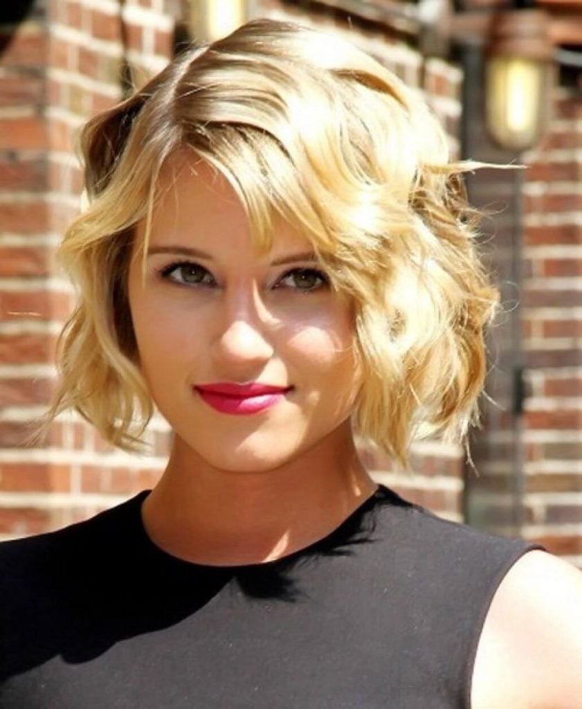 Best Hairstyles For The Beach 35+ High Quality Photos Inside Short Haircuts For Thin Wavy Hair (View 14 of 25)