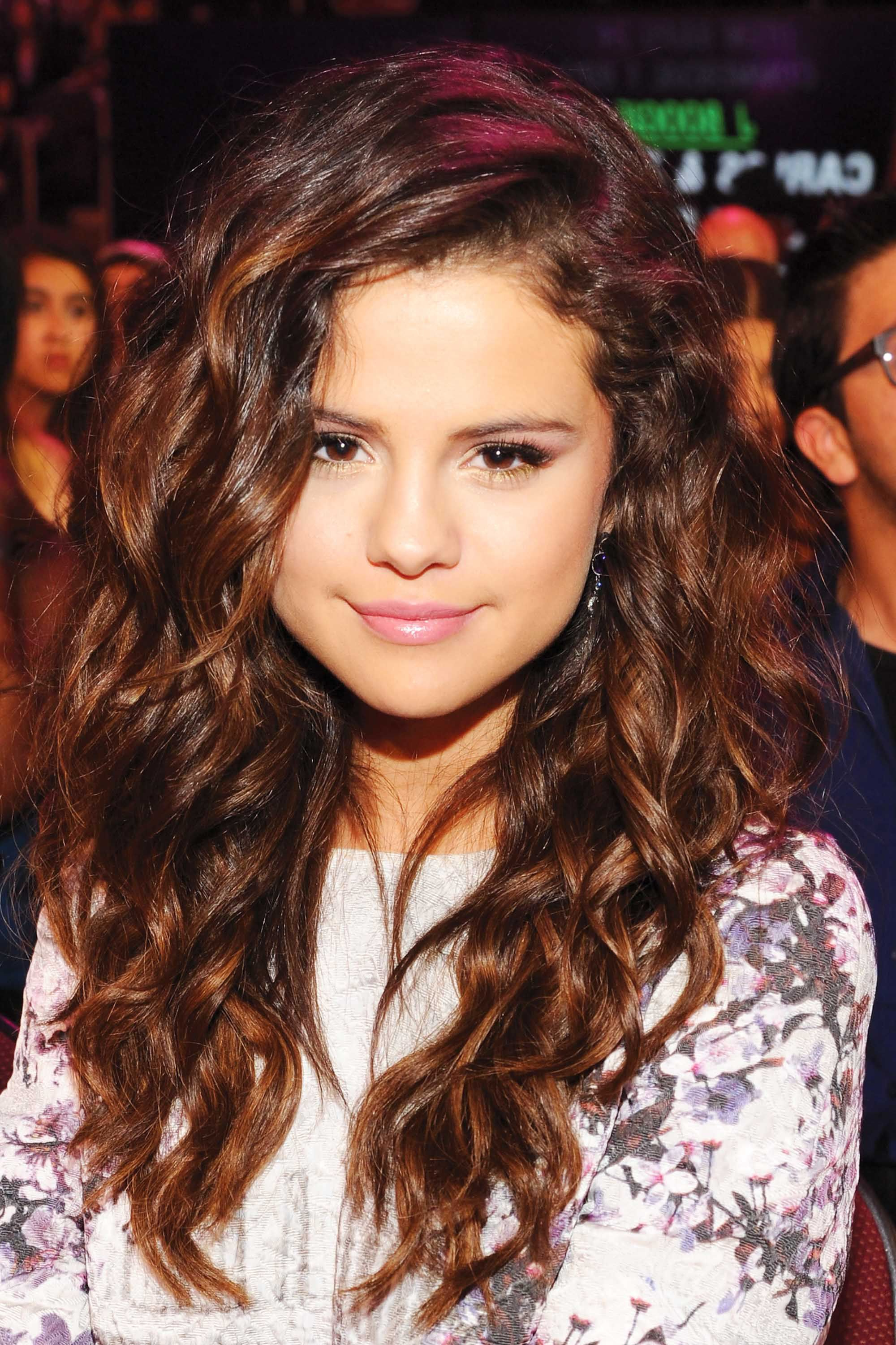 Best Selena Gomez Hairstyles – 32 Hair Ideas From Selena Gomez Within Selena Gomez Short Hairstyles (View 22 of 25)