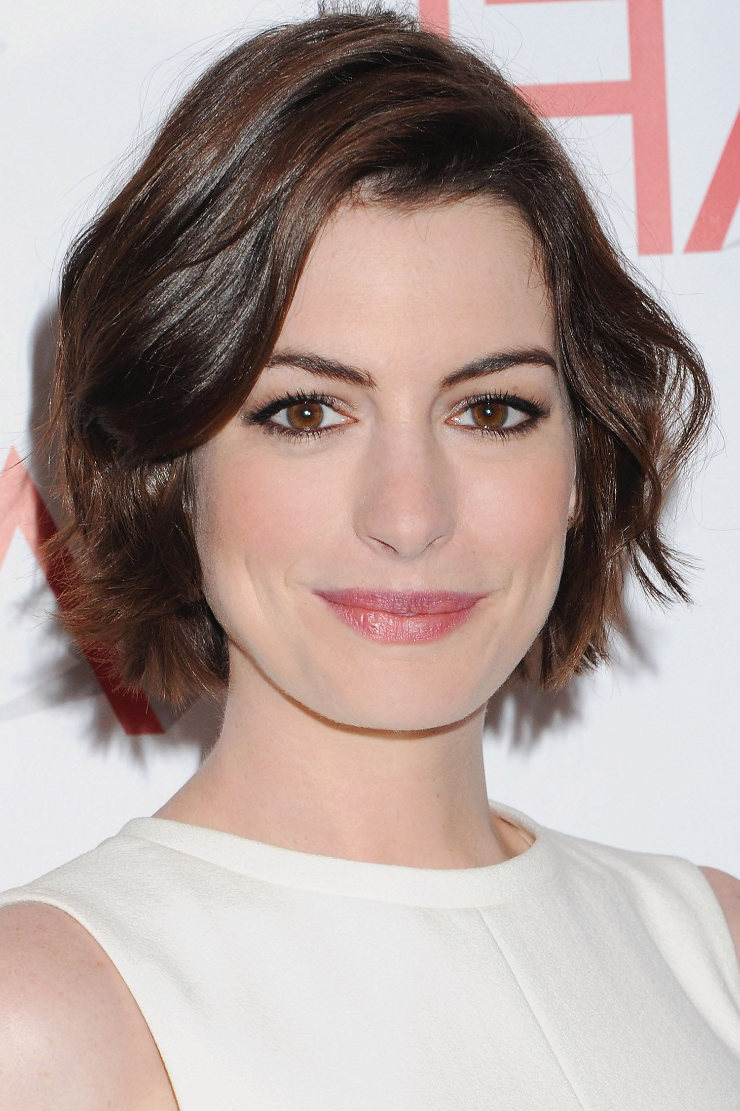 Best Short Hairstyles And Haircuts 2016 – How To Style Short Hair With Regard To Anne Hathaway Short Haircuts (View 19 of 25)