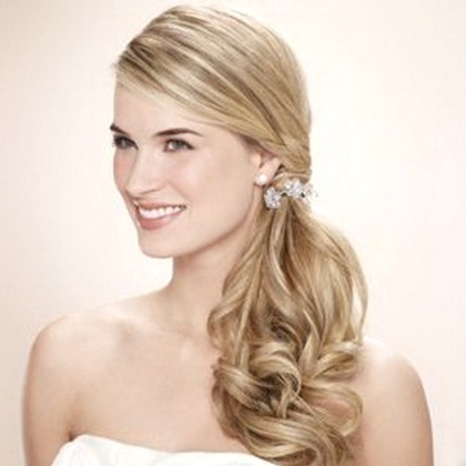 Best Trendy Side Ponytail Hairstyles For Messy Side Ponytails (View 25 of 25)