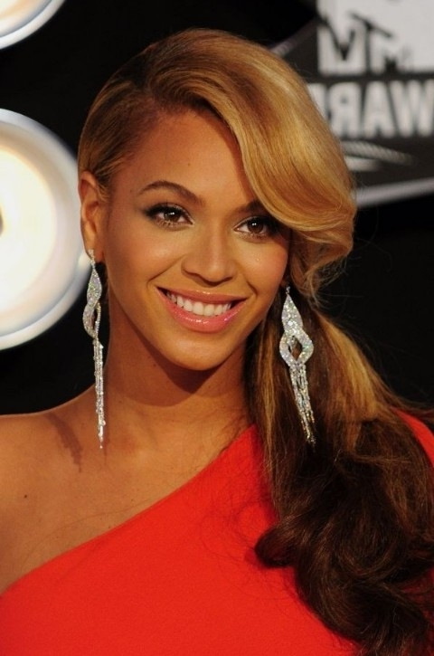 Beyonce Knowles Side Ponytail With Bangs – Hairstyles Weekly Inside Wavy Ponytails With Side Bangs (View 10 of 25)