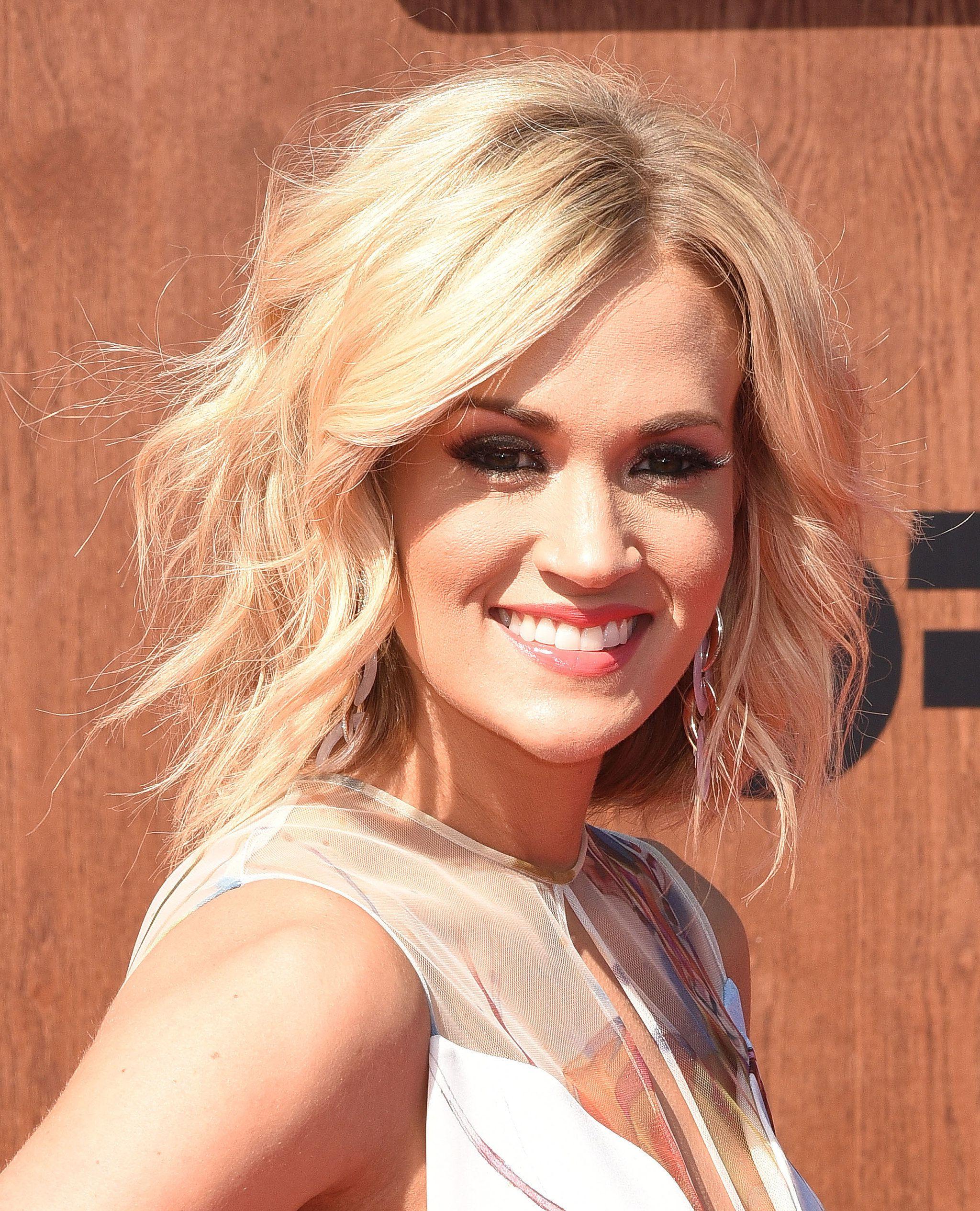 Carrie Underwood | Hair | Pinterest | Hair, Hair Cuts And Hair Styles With Carrie Underwood Short Haircuts (View 15 of 25)
