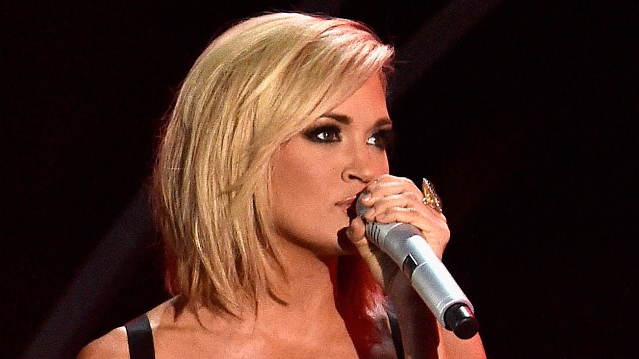 Carrie Underwood Reveals Why Her 'mom' Bob Hair Routine Is Easier With Carrie Underwood Short Haircuts (View 8 of 25)