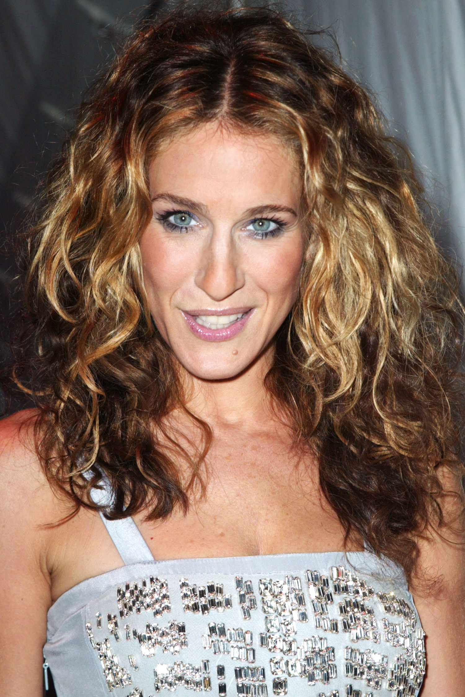 Celebrity Flirty Curly Hairstyles   Hairstyles 2017, Hair Colors And Within Sarah Jessica Parker Short Hairstyles (View 24 of 25)