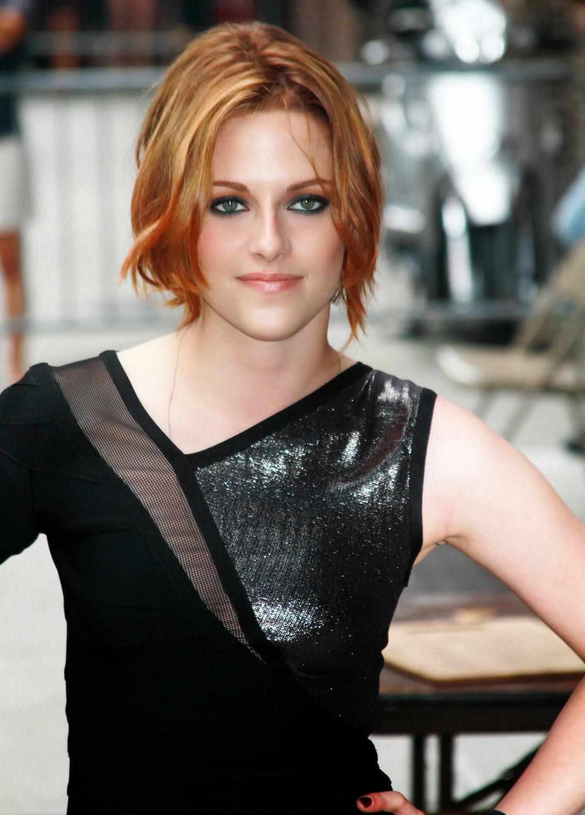 Celebrity Hairstyles Photos: Kristen Stewart Hairstyles Pertaining To Kristen Stewart Short Hairstyles (View 19 of 25)