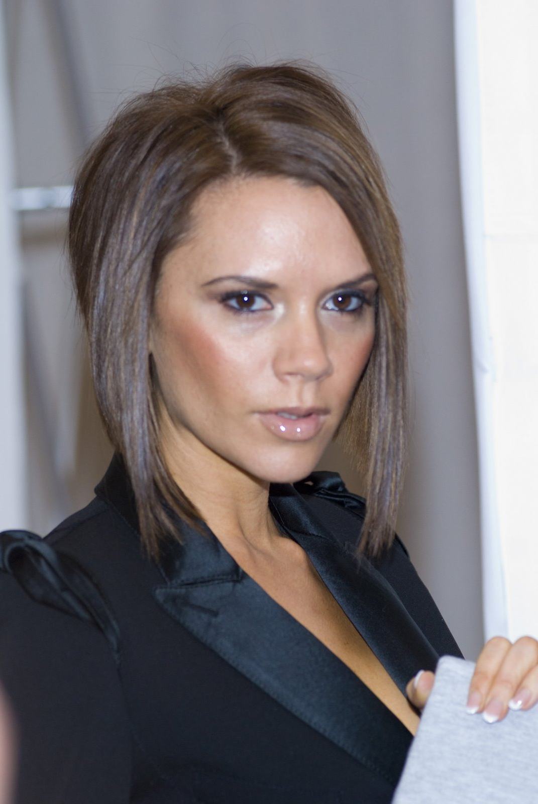 Celebrity Victoria Beckham Hairstyle Pictures – Samuel Blog Throughout Victoria Beckham Short Haircuts (View 3 of 25)