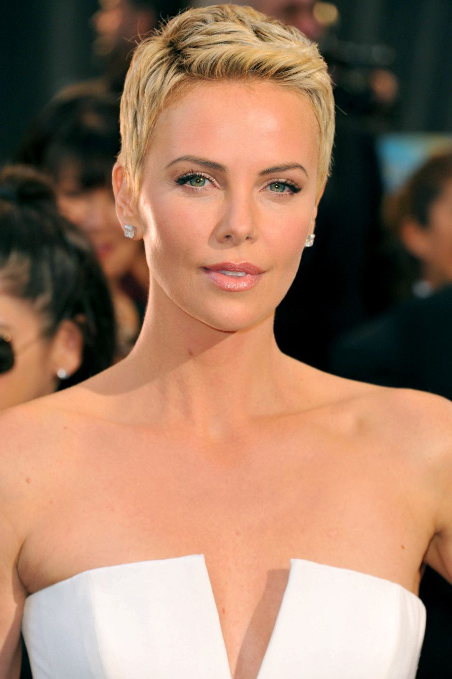 Charlize Theron Women Celebrity Short Hairstyles 2013   Fashion In Charlize Theron Short Haircuts (View 8 of 25)