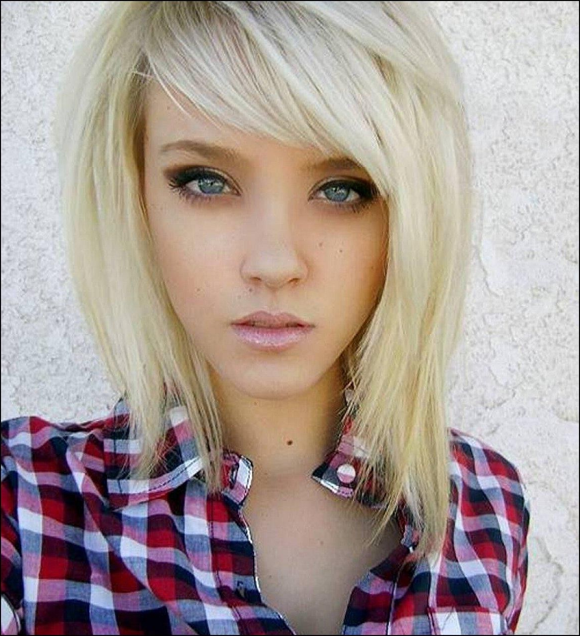 Choppy Layered Haircuts With Side Bangs   Haircut Soon   Pinterest With Regard To Short Haircuts With Side Fringe (View 20 of 25)