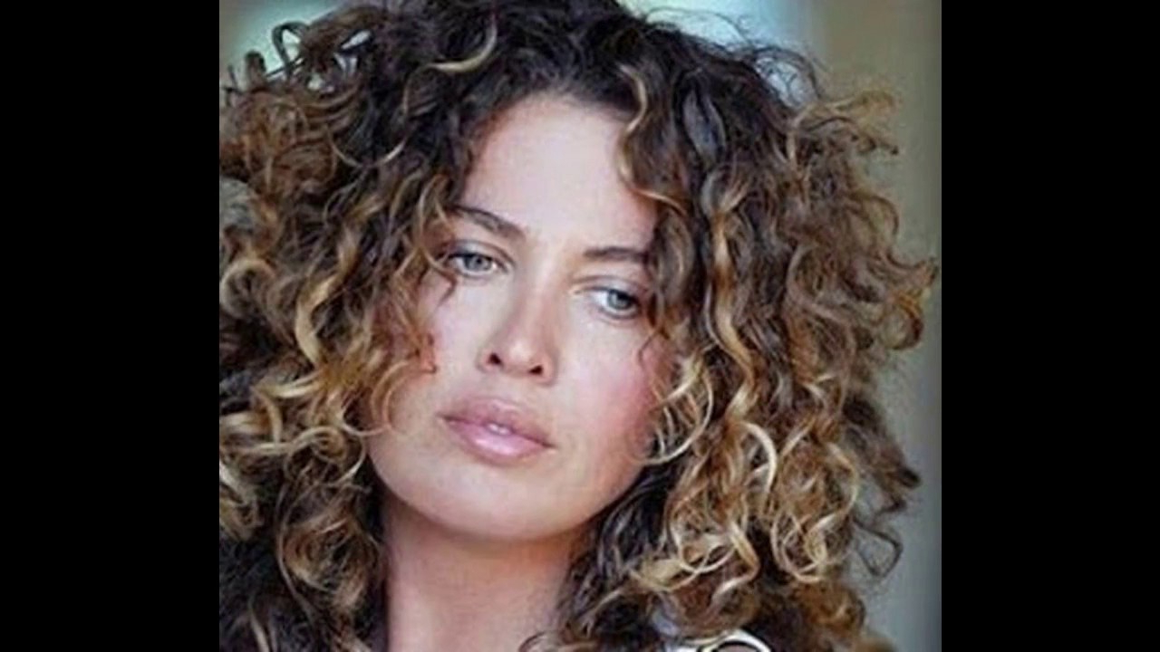 Curly Hair Highlight Ideas – Youtube Within Brown Curly Hairstyles With Highlights (View 4 of 25)