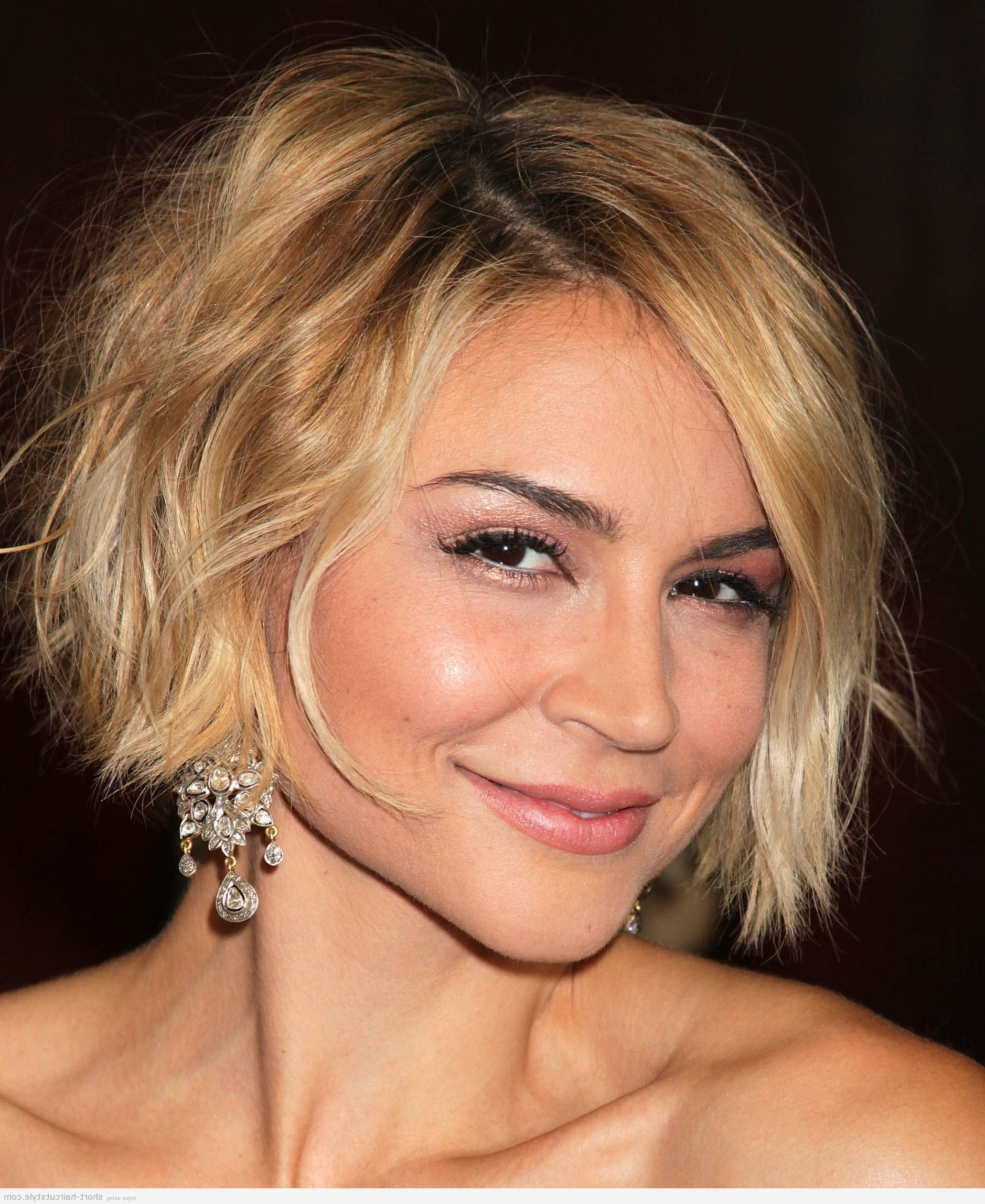 Cute Short Haircuts For Women With Square Faces | Everlasting Regarding Short Haircuts For Square Jaws (View 2 of 25)