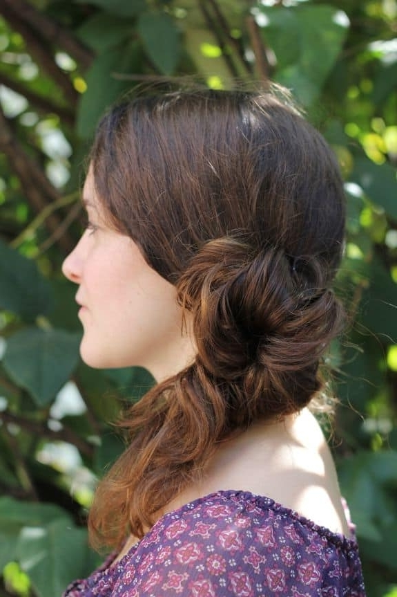 Diy Messy Side Ponytail – Hello Glow Intended For Intricate And Messy Ponytail Hairstyles (View 19 of 25)