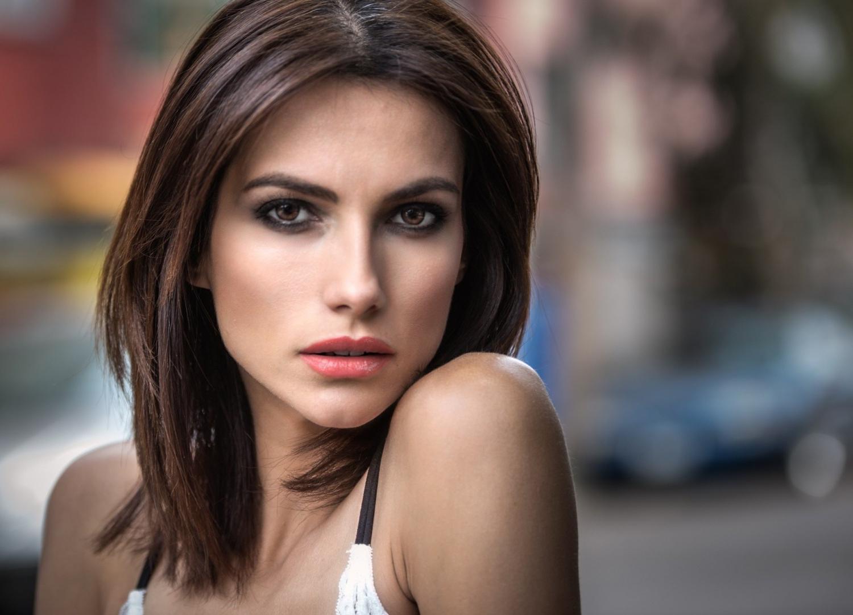 Download 1500X1081 Brunette, Short Hair, Pink Lipstick, Eyeliner inside Short Hairstyles For Brunette Women