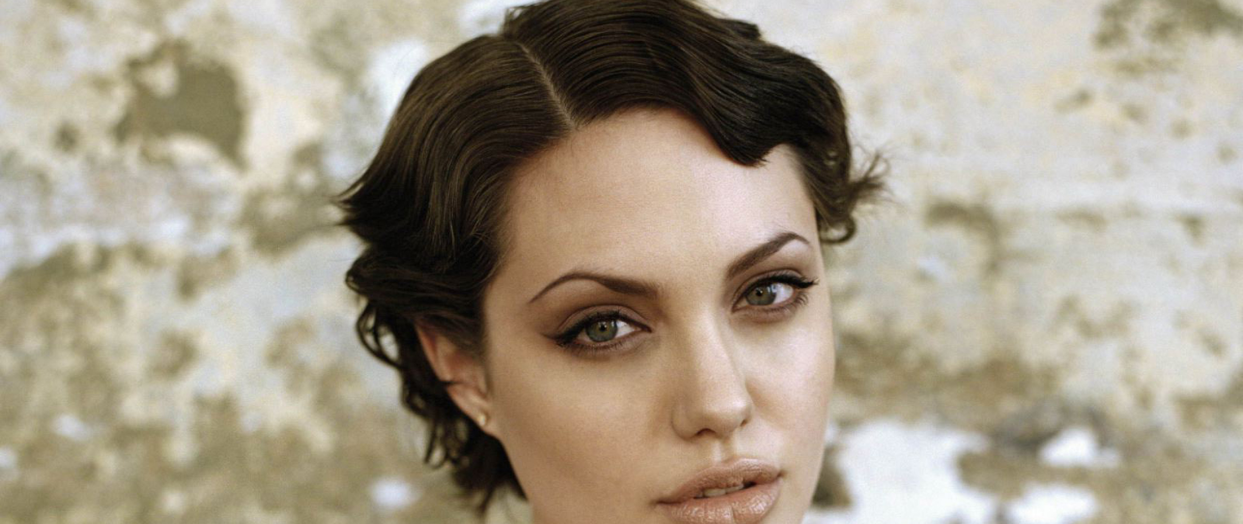 Download Angelina Jolie Short Hair Style Photoshoot 480X800 Regarding Angelina Jolie Short Hairstyles (Gallery 13 of 25)