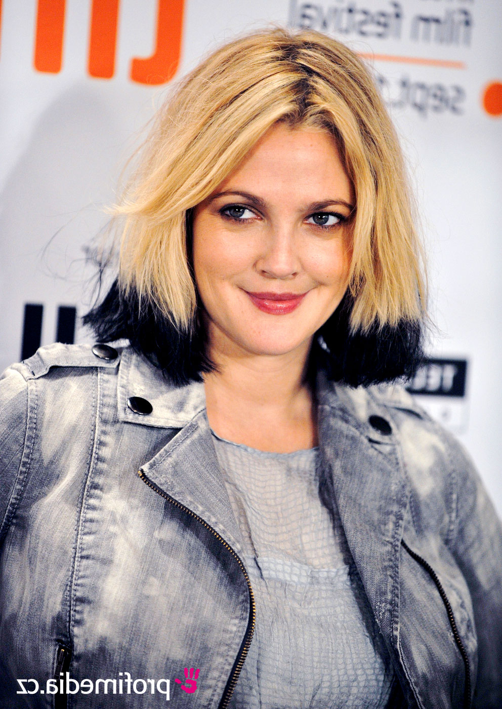 Drew Barrymore - - Hairstyle - Easyhairstyler within Drew Barrymore Short Hairstyles