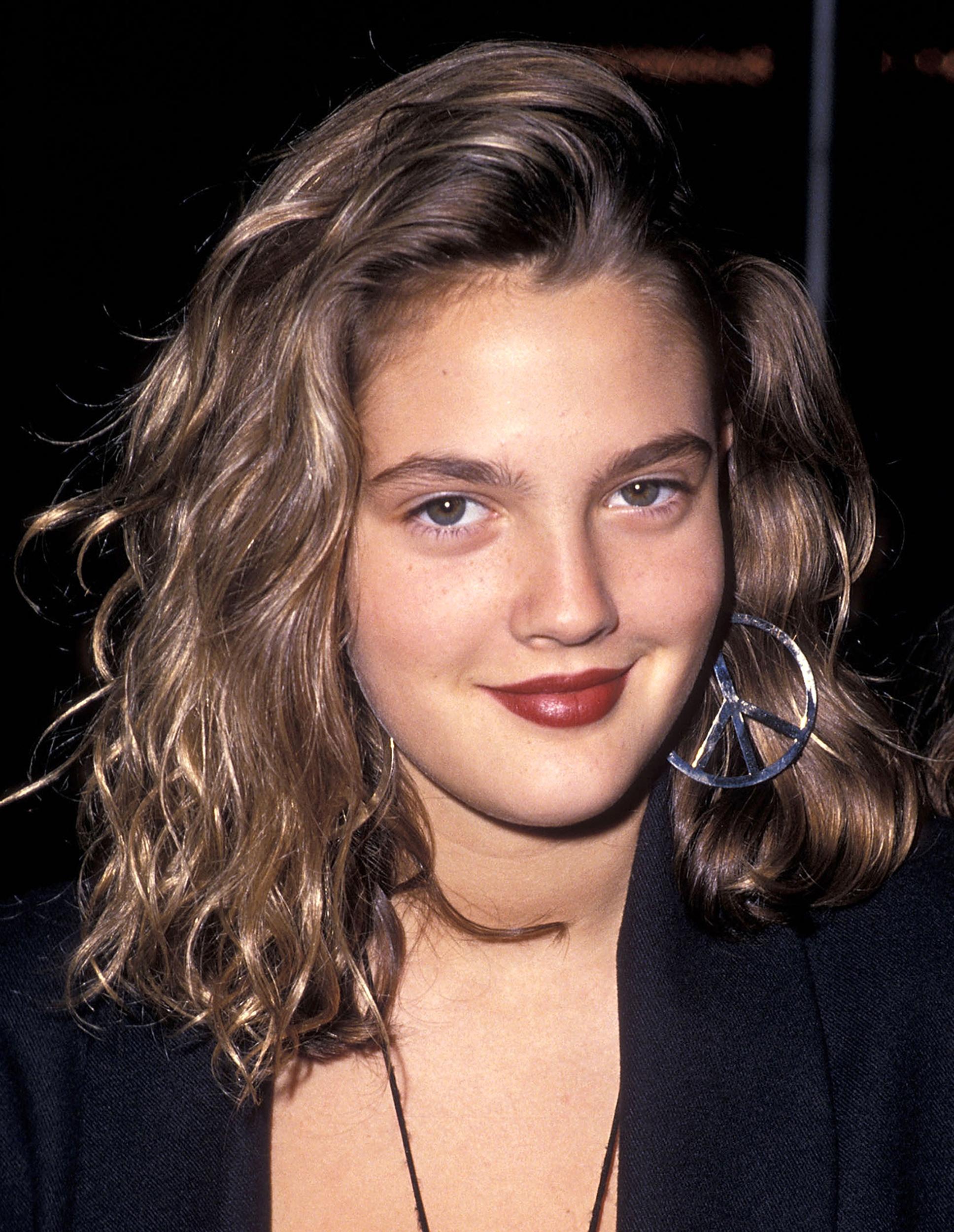 Drew Barrymore's Hair Evolution Inside Drew Barrymore Short Haircuts (Gallery 16 of 25)