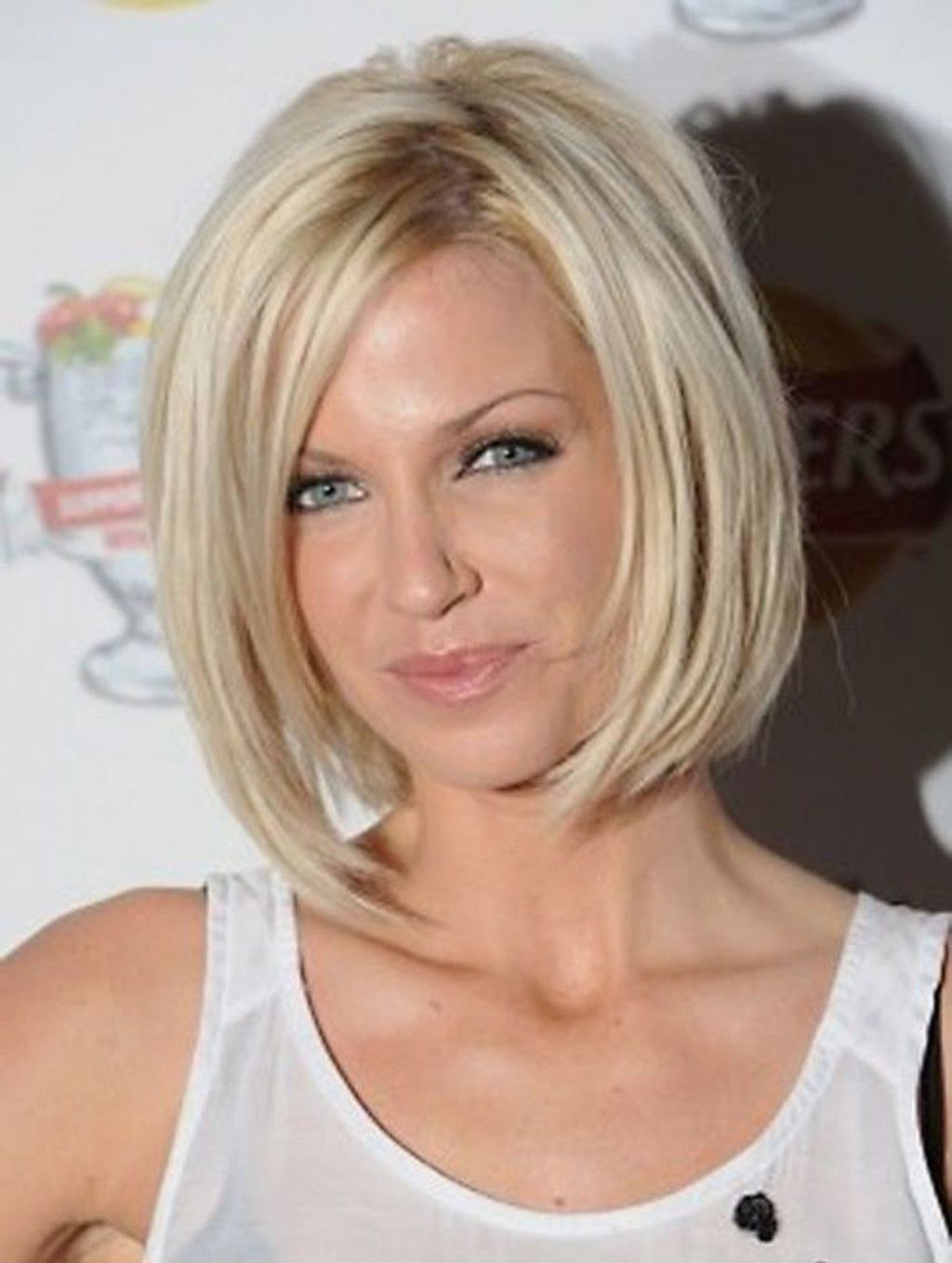 ? 24+ Lovely Short Shoulder Length Hairstyles: Astonishing Short Intended For Short Shoulder Length Hairstyles For Women (View 24 of 25)