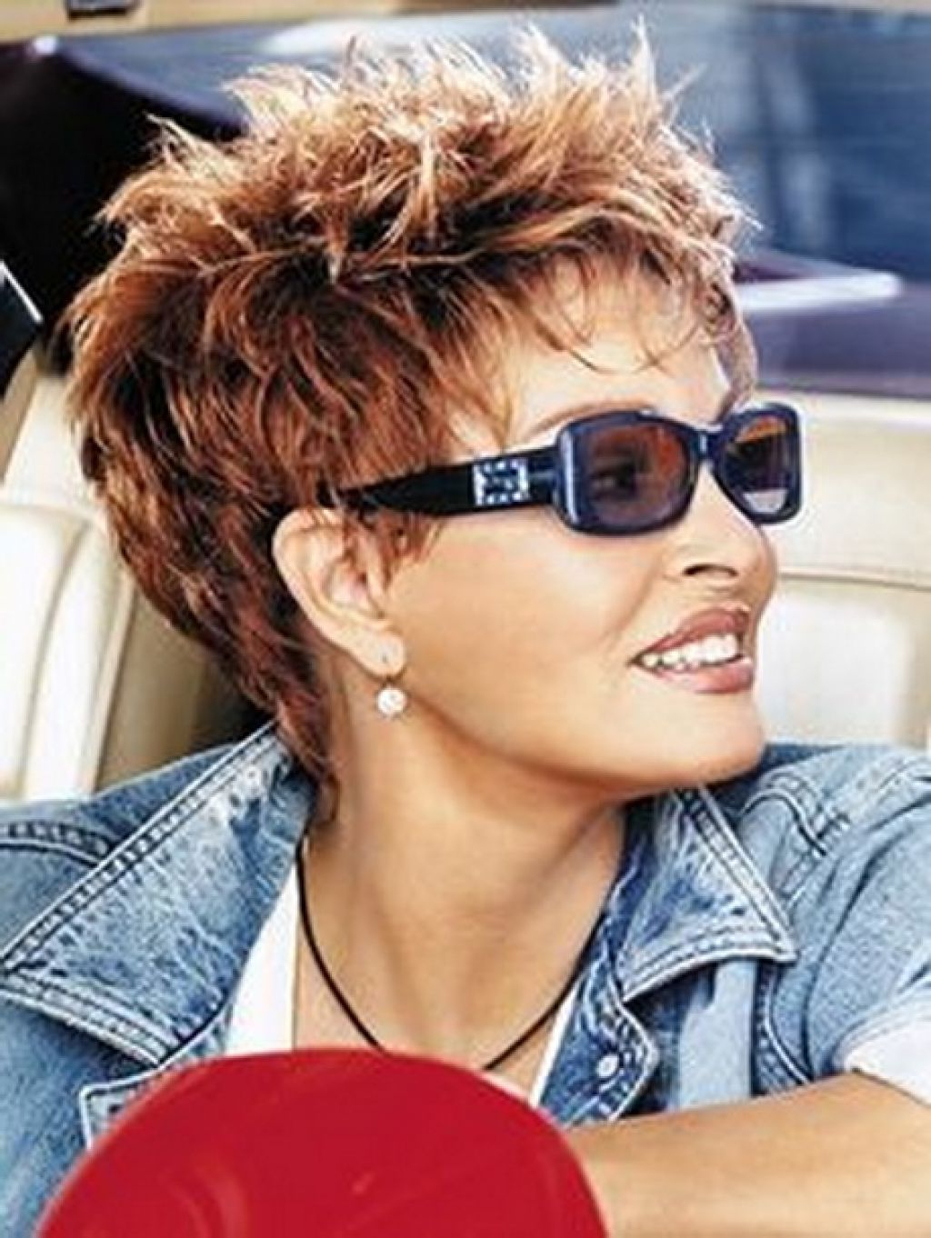 ? 24+ Nice Hairstyles For Women With Glasses: Trendy Short With Trendy Short Hairstyles (View 14 of 25)