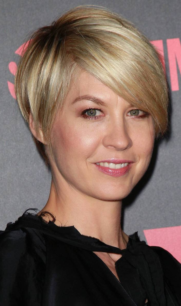 ?1001 + Ideas For Stunning Medium And Short Hairstyles For Fine Hair Intended For Short Hairstyles With Bangs For Fine Hair (View 21 of 25)