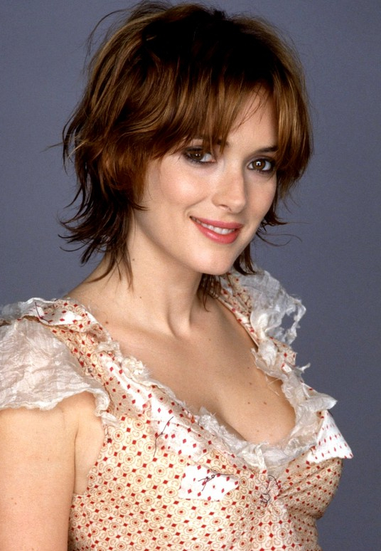 Edgy Razor Cut With Highlights – Winona Ryder's Layered Short Bob Throughout Layered Pixie Hairstyles With An Edgy Fringe (View 12 of 25)
