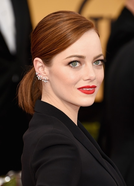 Emma Stone's Sleek Pony And Ladylike Red Lips – Best Beauty At The Pertaining To Sleek Ladylike Ponytail Hairstyles (View 20 of 25)
