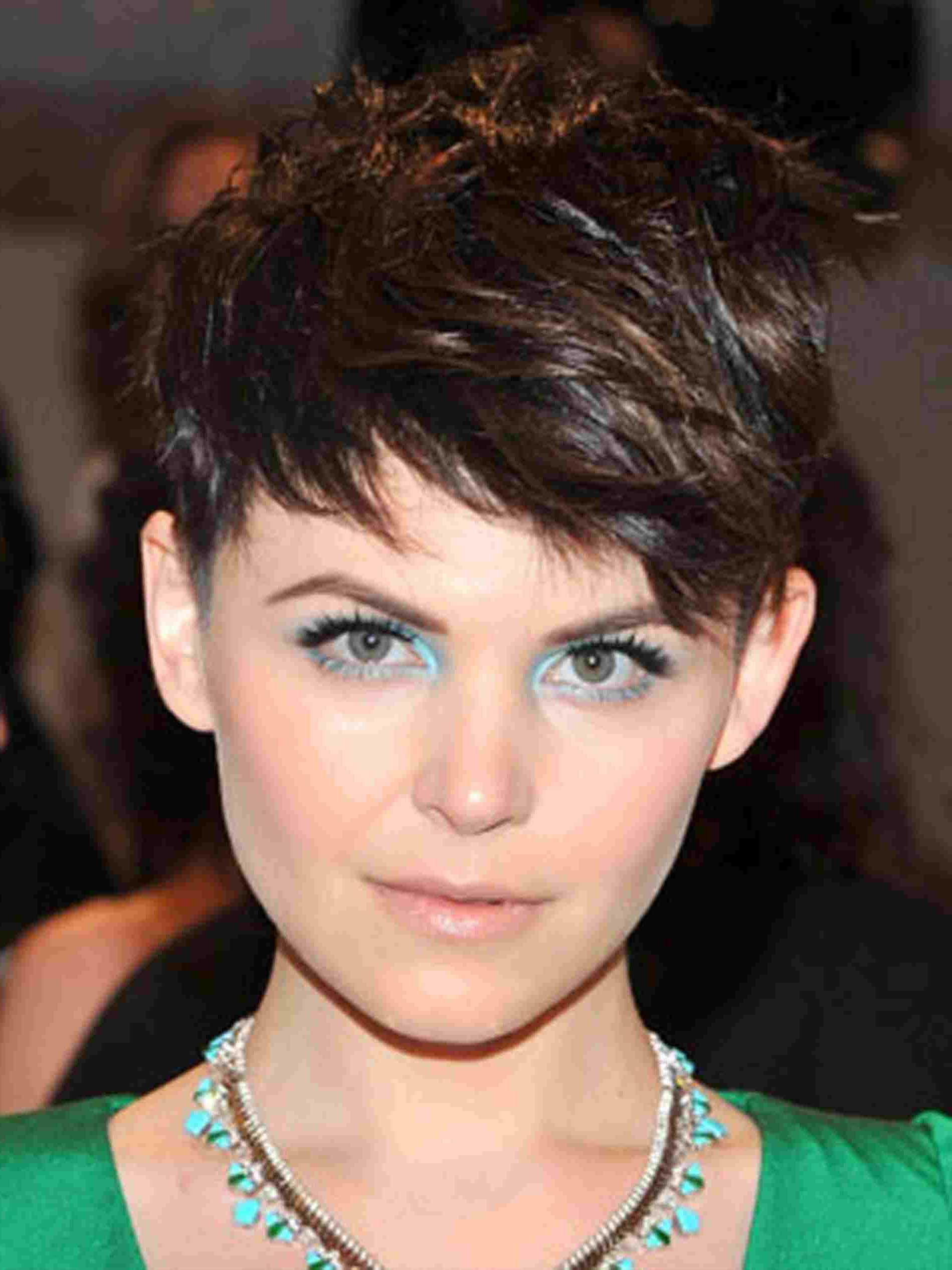 Everyone Popular Low Maintenance Short Haircuts In Hollywood Is Within Easy Maintenance Short Haircuts (View 8 of 25)
