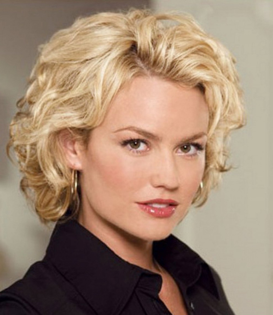 Fabulous Short Hairstyles For Round Faces & Curly Hair   Hairstyle Within Short Hairstyles For Round Faces Curly Hair (View 19 of 25)