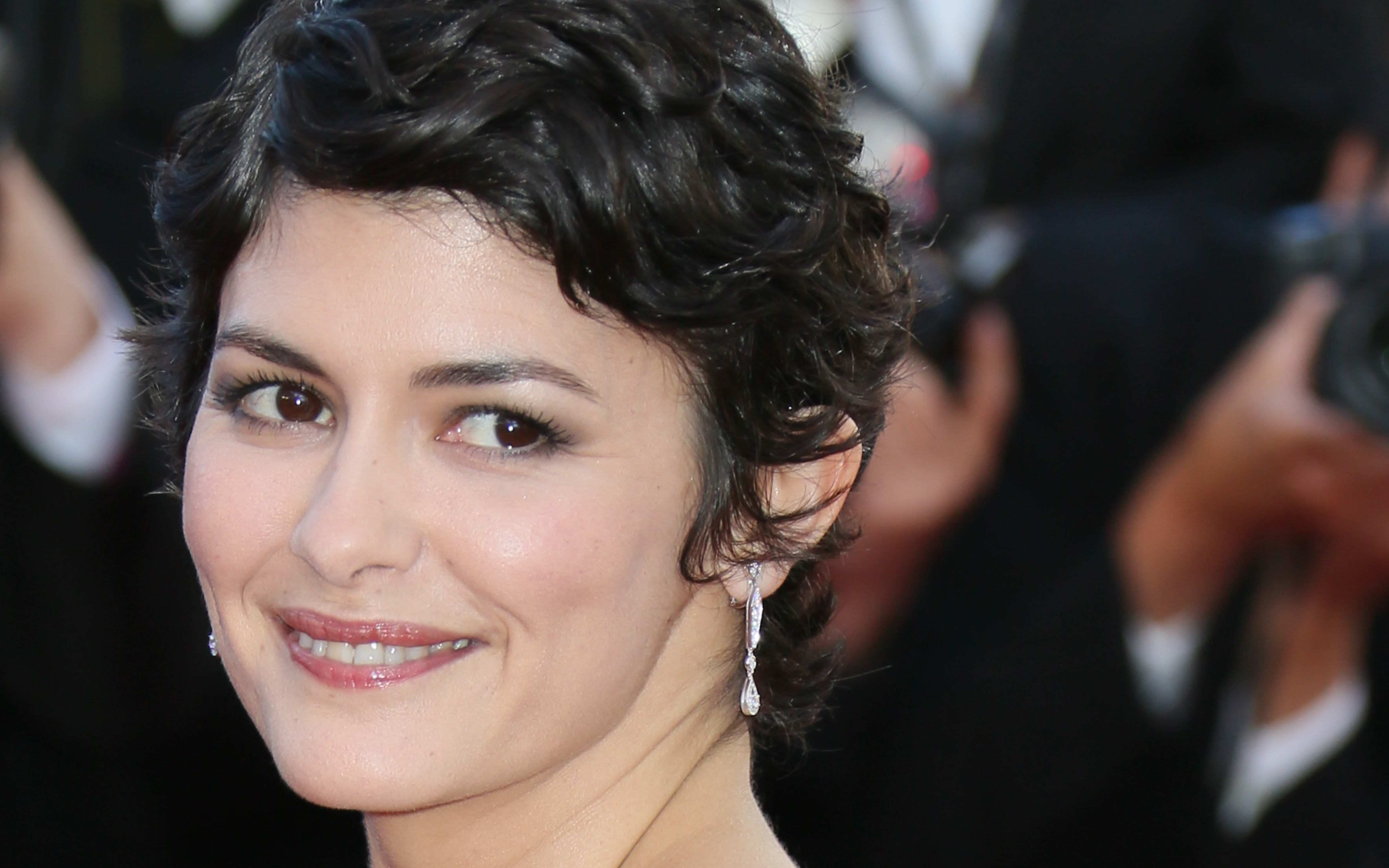 Facebook Covers For Audrey Tautou • Popopics Within Audrey Tautou Short Haircuts (View 23 of 25)