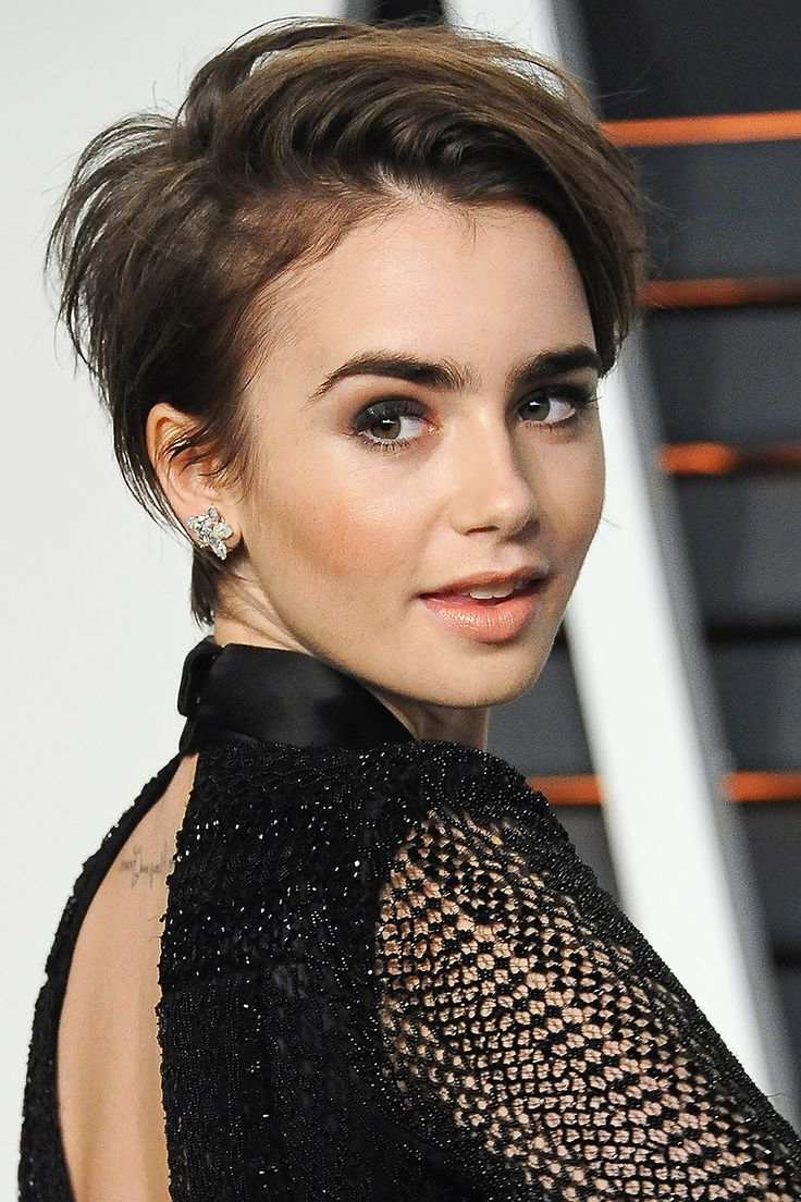 Famous And Best Short Hairstyles Of Celebrities That You Should Know In Cute Celebrity Short Haircuts (View 24 of 25)