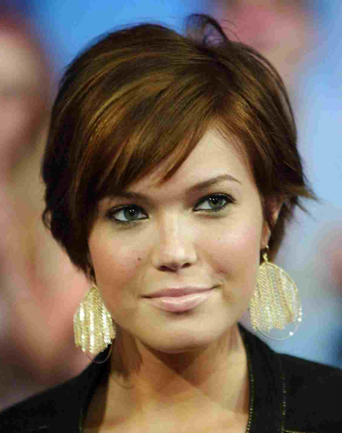 For Round Faces Front And Back Big Riverrhthebigriverreviewcom Regarding Medium Short Hairstyles For Round Faces (View 12 of 25)