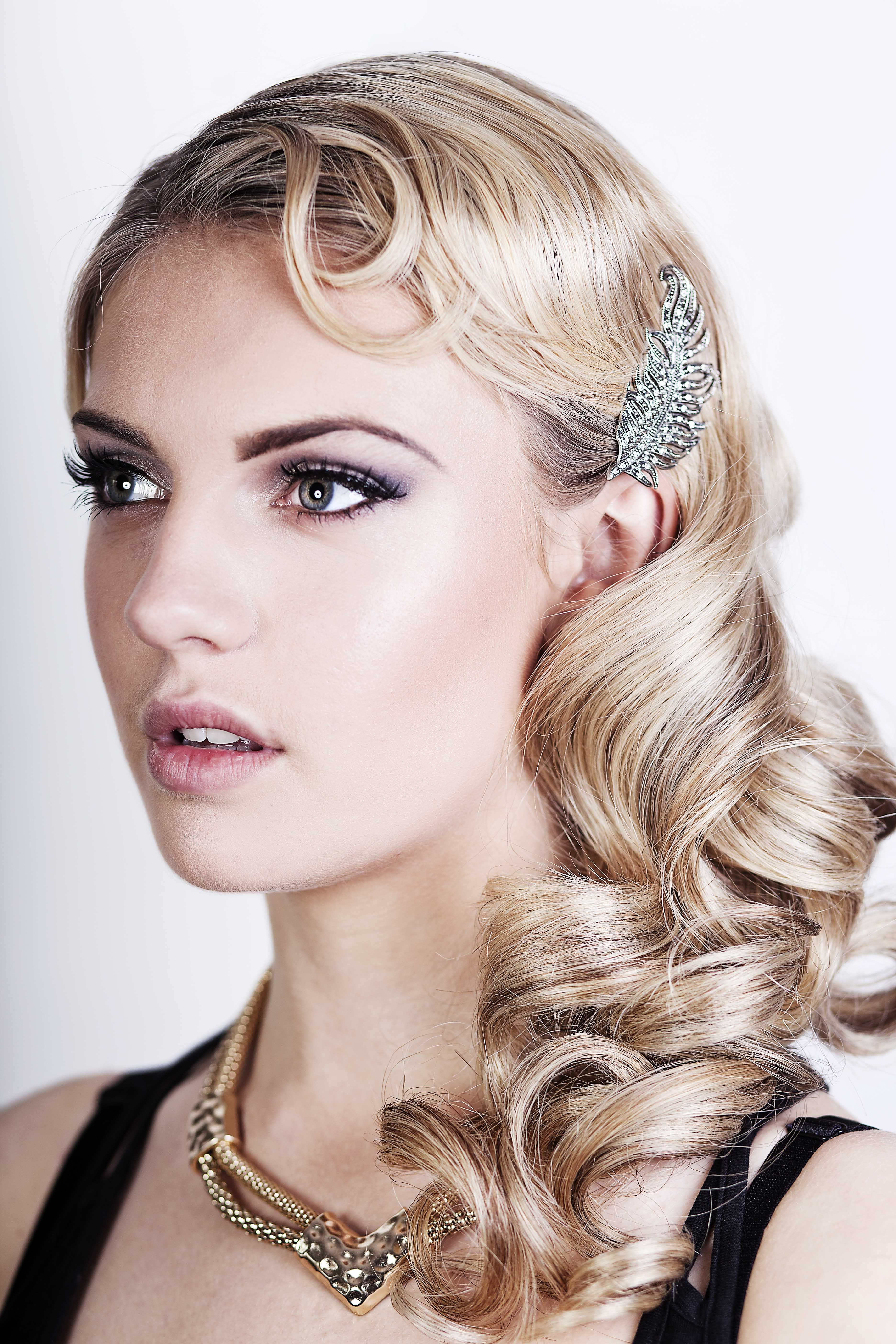 Friday Feature} Seriously Great Gatsby 20S Inspired Hair & Make Up in 20S Short Hairstyles