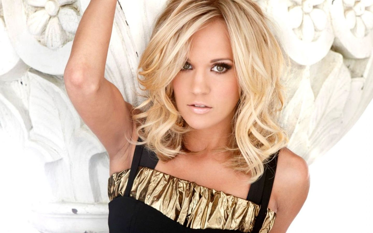Explore Photos Of Carrie Underwood Short Hairstyles Showing 18 Of