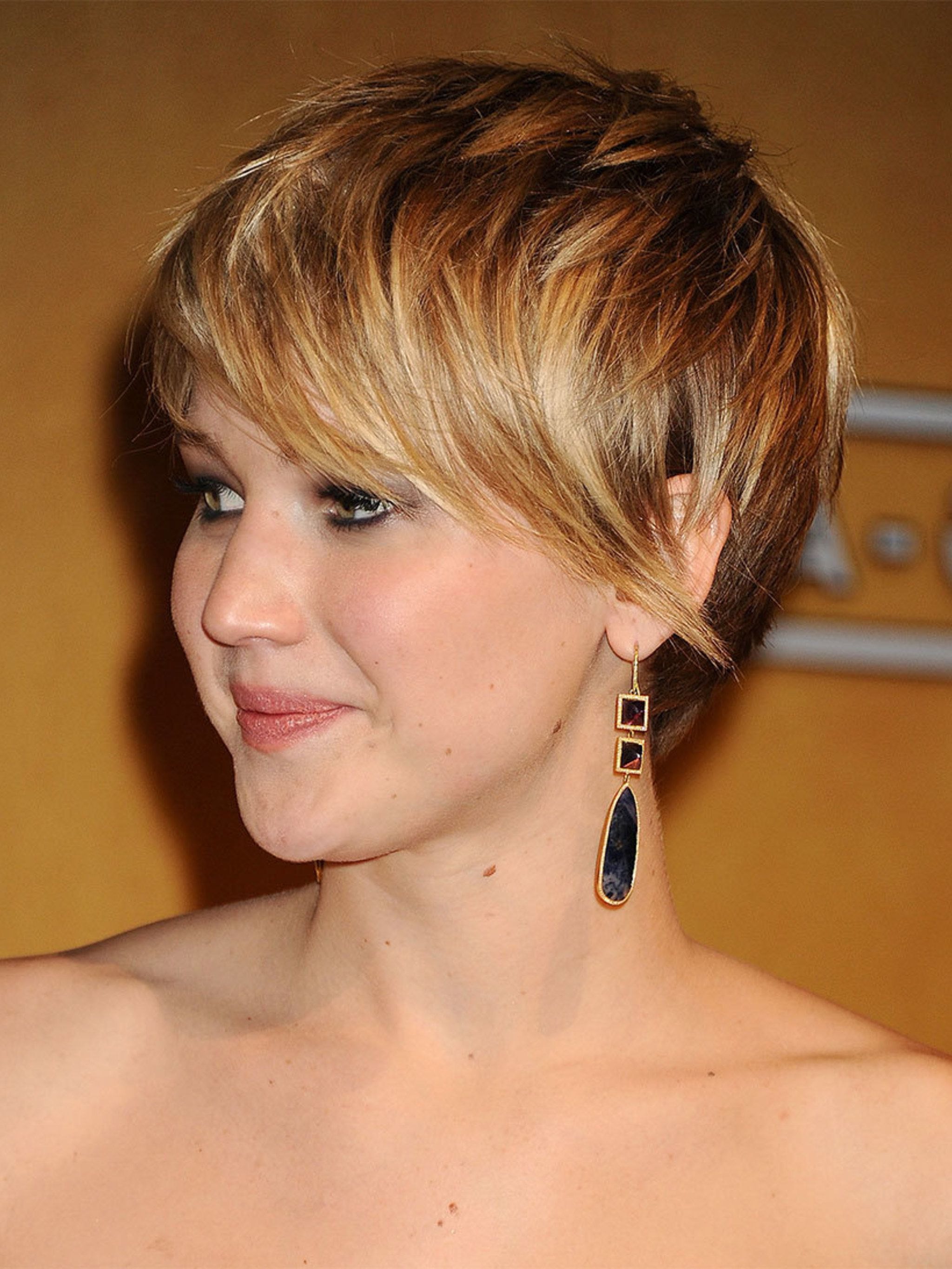 Grow Out Your Hair Like J Law intended for Jennifer Lawrence Short Haircuts