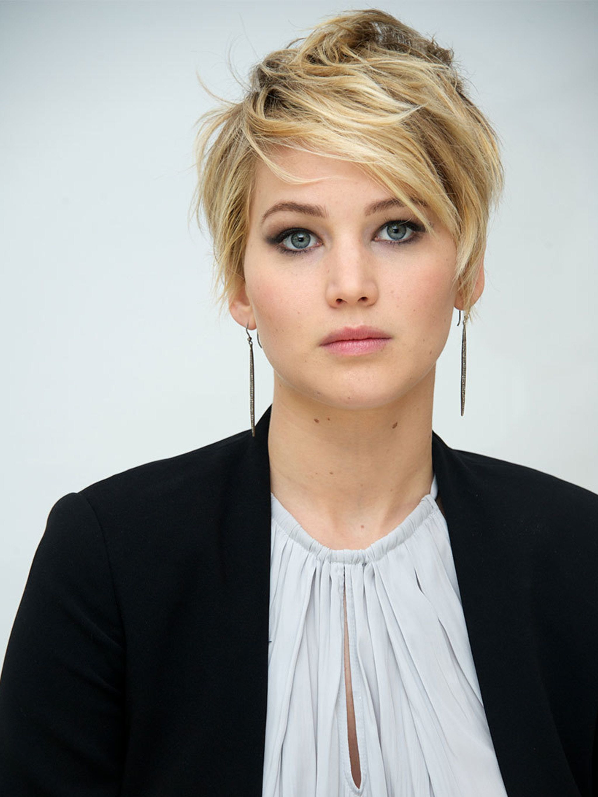 Grow Out Your Hair Like J Law Pertaining To Jennifer Lawrence Short Haircuts (View 14 of 25)
