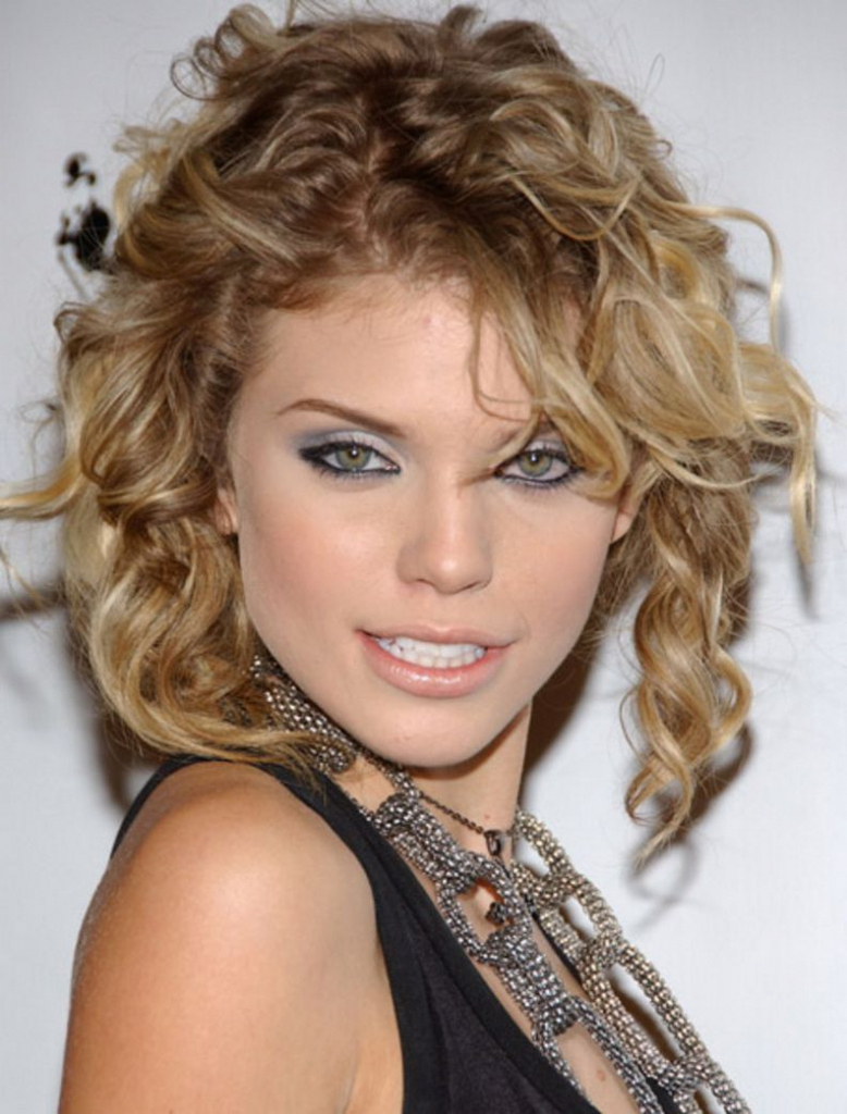 Haircuts For Curly Frizzy Hair Short – Wavy Haircut Throughout Short Haircuts For Thick Curly Frizzy Hair (View 19 of 25)