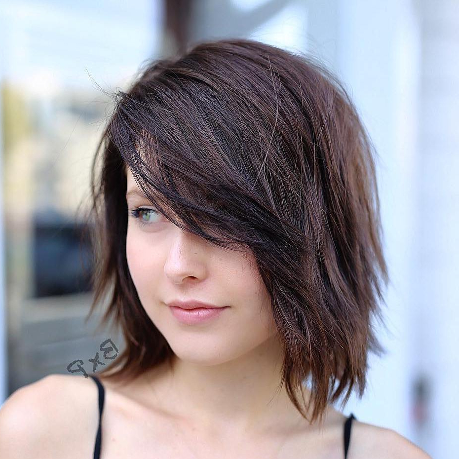 Hairstyles And Haircuts With Bangs In 2018 — Therighthairstyles For Short Haircuts With Side Fringe (View 21 of 25)