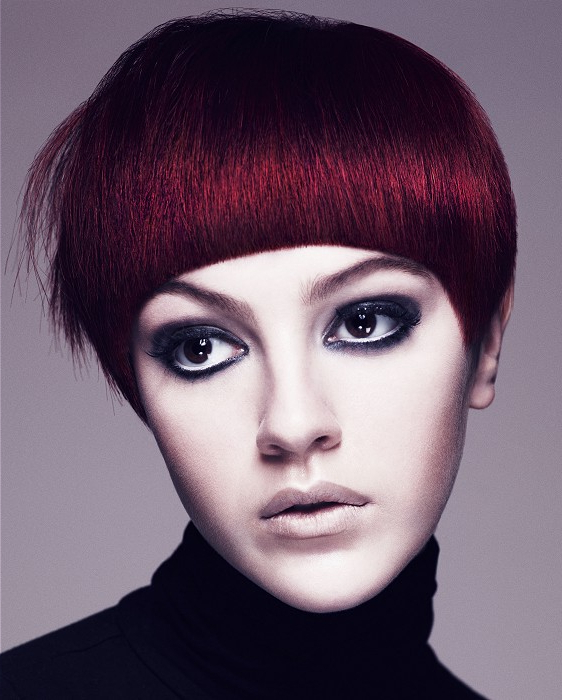 Hairstyles For Long Faces Pertaining To Short Razored Blonde Bob Haircuts With Gray Highlights (View 19 of 25)