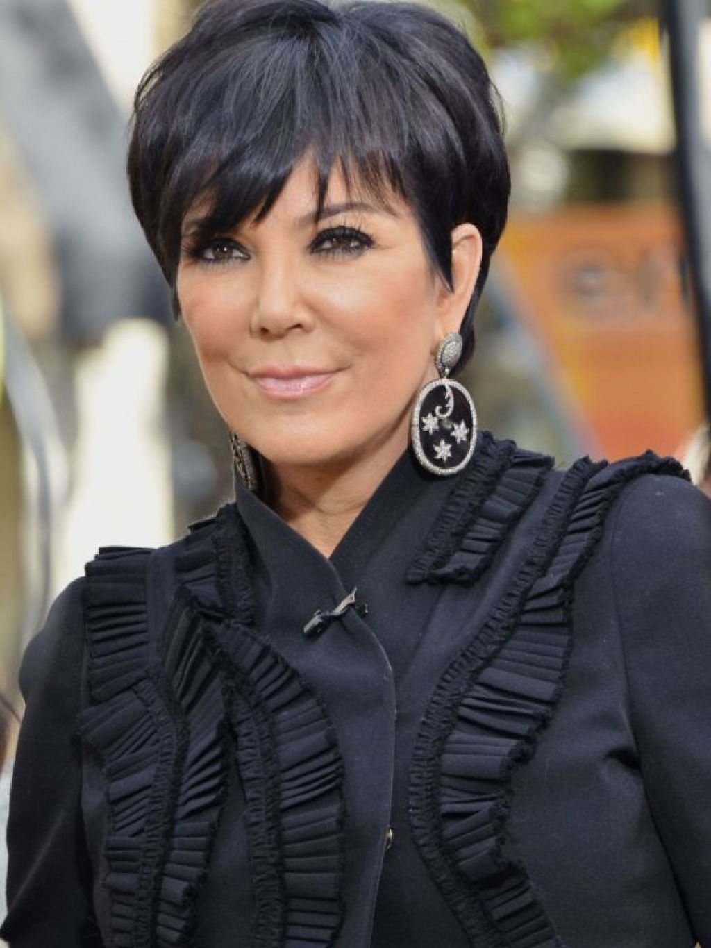 Hairstyles Kris Jenner Simple Short Hair Style , This Style Is Using For Short Haircuts Kris Jenner (View 9 of 25)