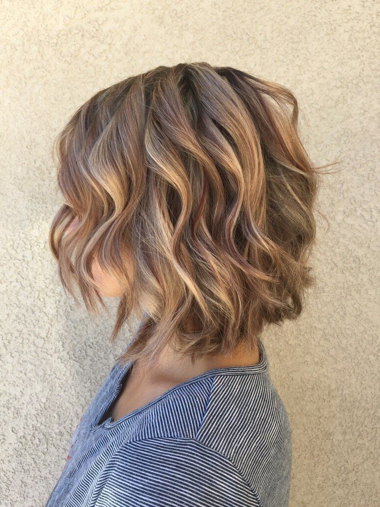 Highlights And Lowlights Mahogany Lowlights And Soft Carmel Pertaining To Soft Brown And Caramel Wavy Bob Hairstyles (View 9 of 25)