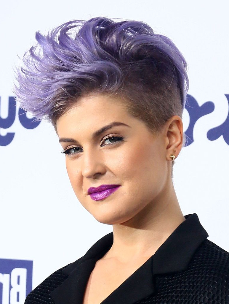 Hollywood's New Cut Of Choice Is An Edgy One | Hairstyle Ideas Inside Kelly Osbourne Short Haircuts (View 4 of 25)