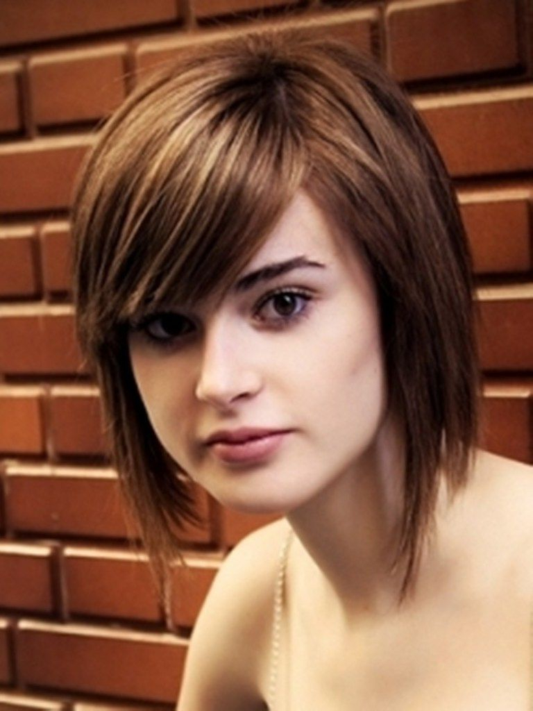 Hot And Swanky Hairstyles For Round Face | Haircuts | Pinterest With Regard To Medium Short Haircuts For Round Faces (View 4 of 25)