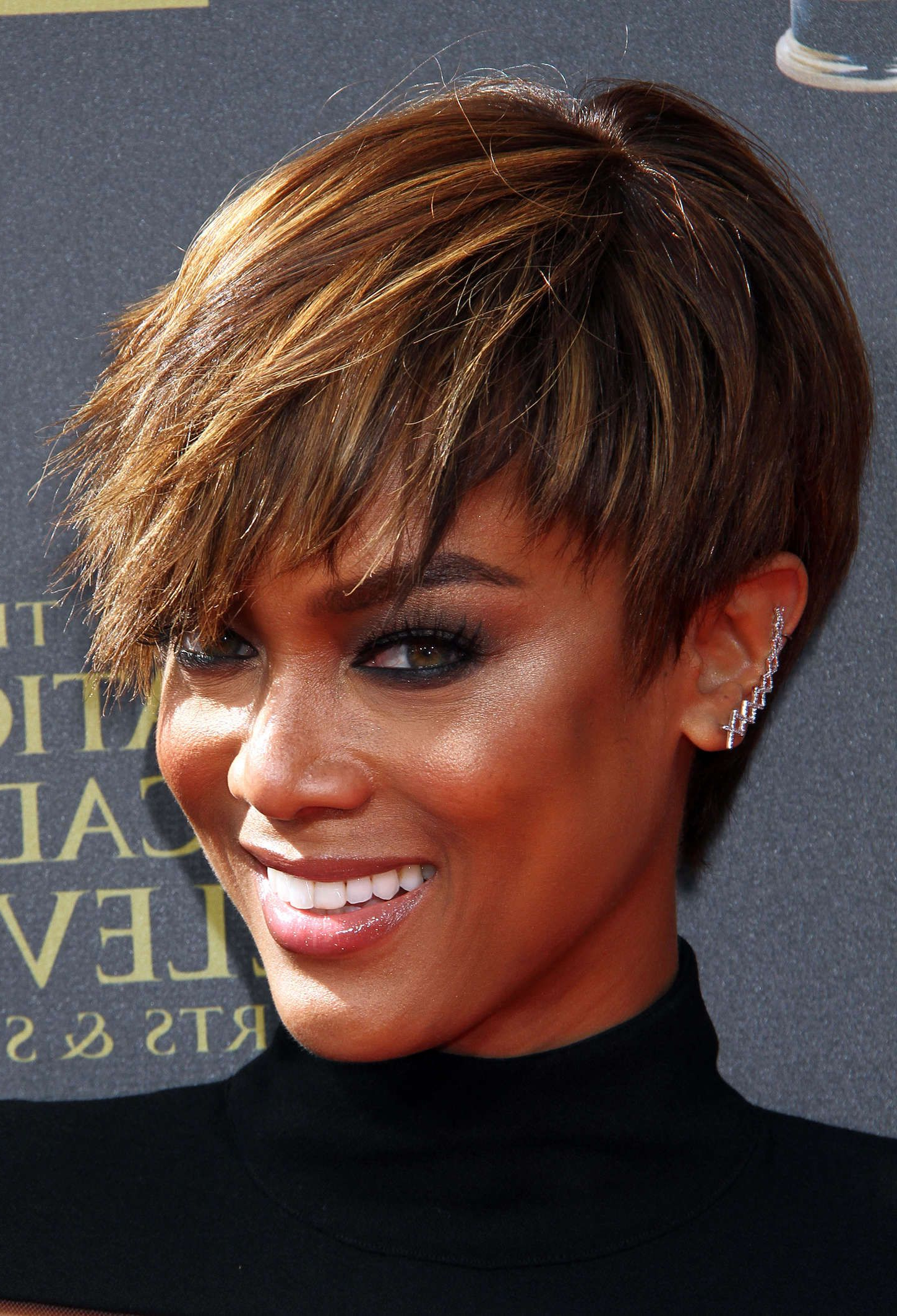 Image Result For Tyra Banks Emmy Awards | Hair And Beauty In 2018 For Tyra Banks Short Hairstyles (View 6 of 25)