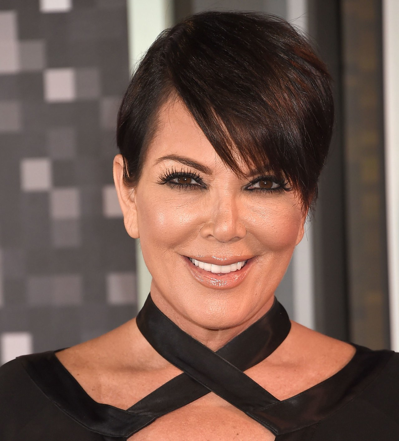 In Honor Of Kris Jenner's 60Th Birthday, We Investigate Which Of Her Inside Short Haircuts Kris Jenner (View 12 of 25)