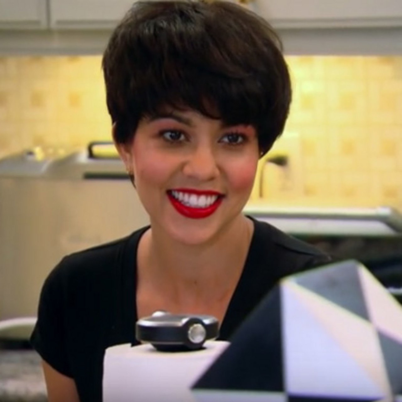 In Honor Of Kris Jenner's 60Th Birthday, We Investigate Which Of Her Pertaining To Short Haircuts Kris Jenner (View 21 of 25)