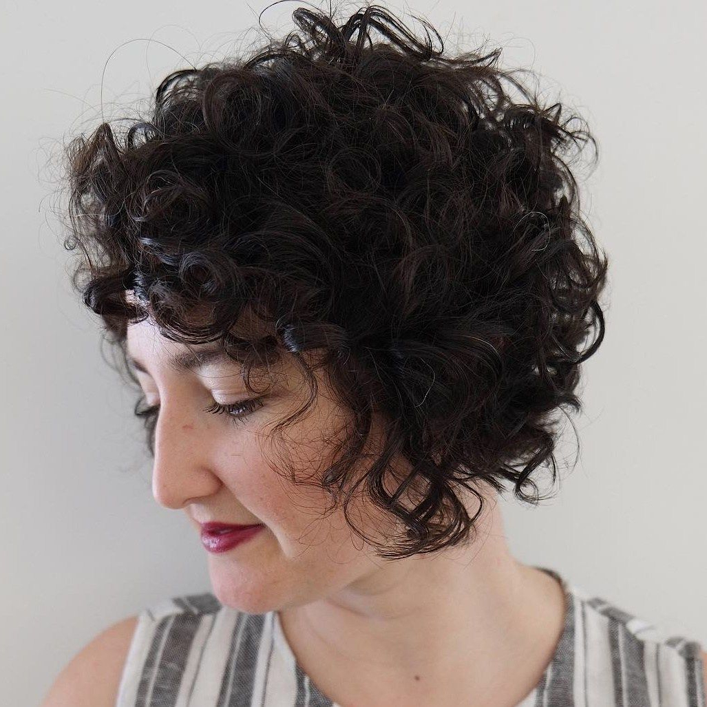 Jaw-Length Inverted Curly Brunette Bob   Yur A Wizard Hairy   Pinterest with Jaw-Length Inverted Curly Brunette Bob Hairstyles