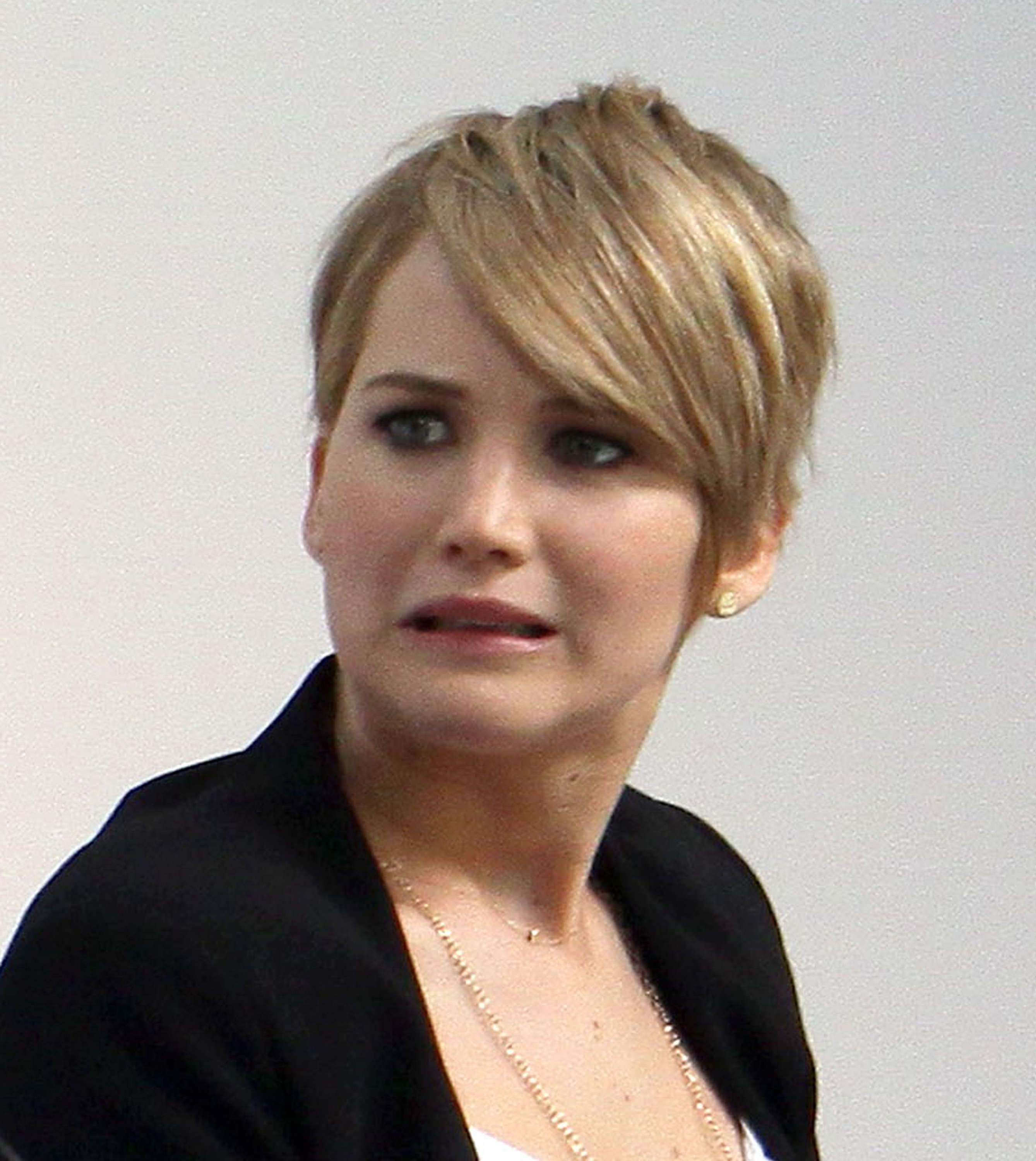 Jennifer Lawrence Shows Off Her Short Hair At Yahoo! Q&a | Oceanup With Regard To Jennifer Lawrence Short Haircuts (View 25 of 25)