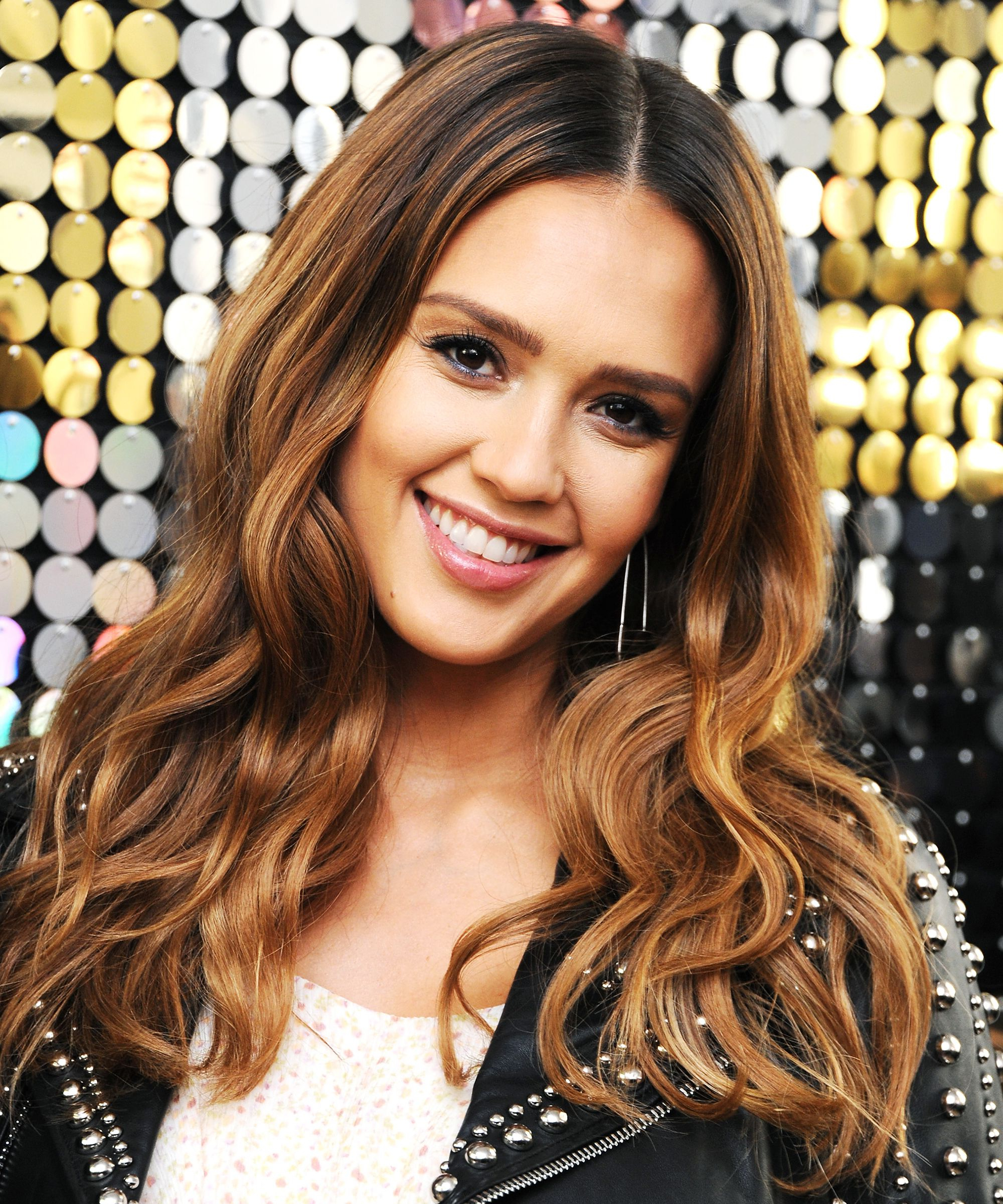 Jessica Alba Chops Off Her Pregnancy Hair On Instagram For Jessica Alba Short Hairstyles (View 6 of 25)