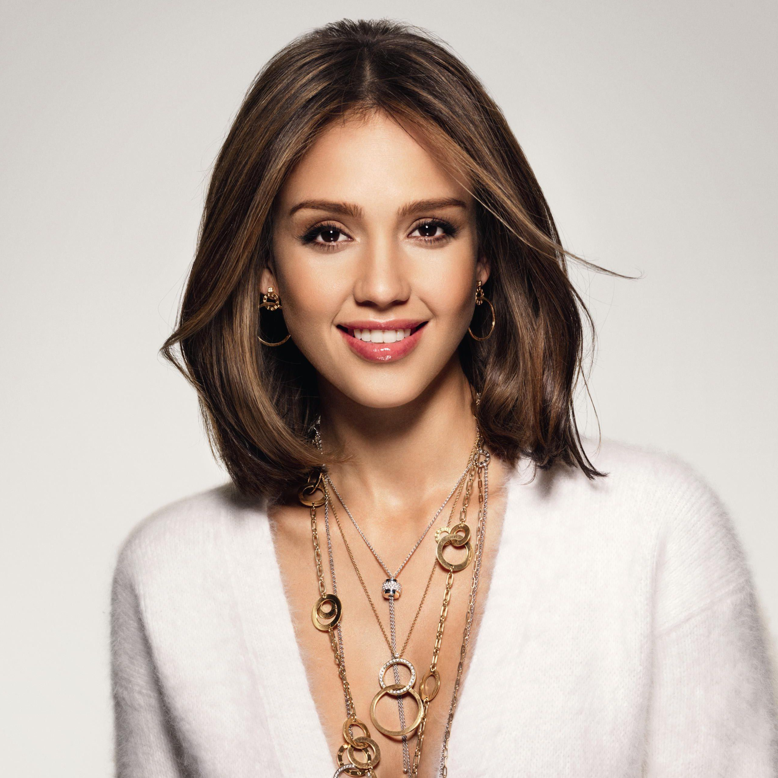 Jessica Alba Haircut | Jessica Alba Bob Short Hairstyle Flipcute within Jessica Alba Short Haircuts