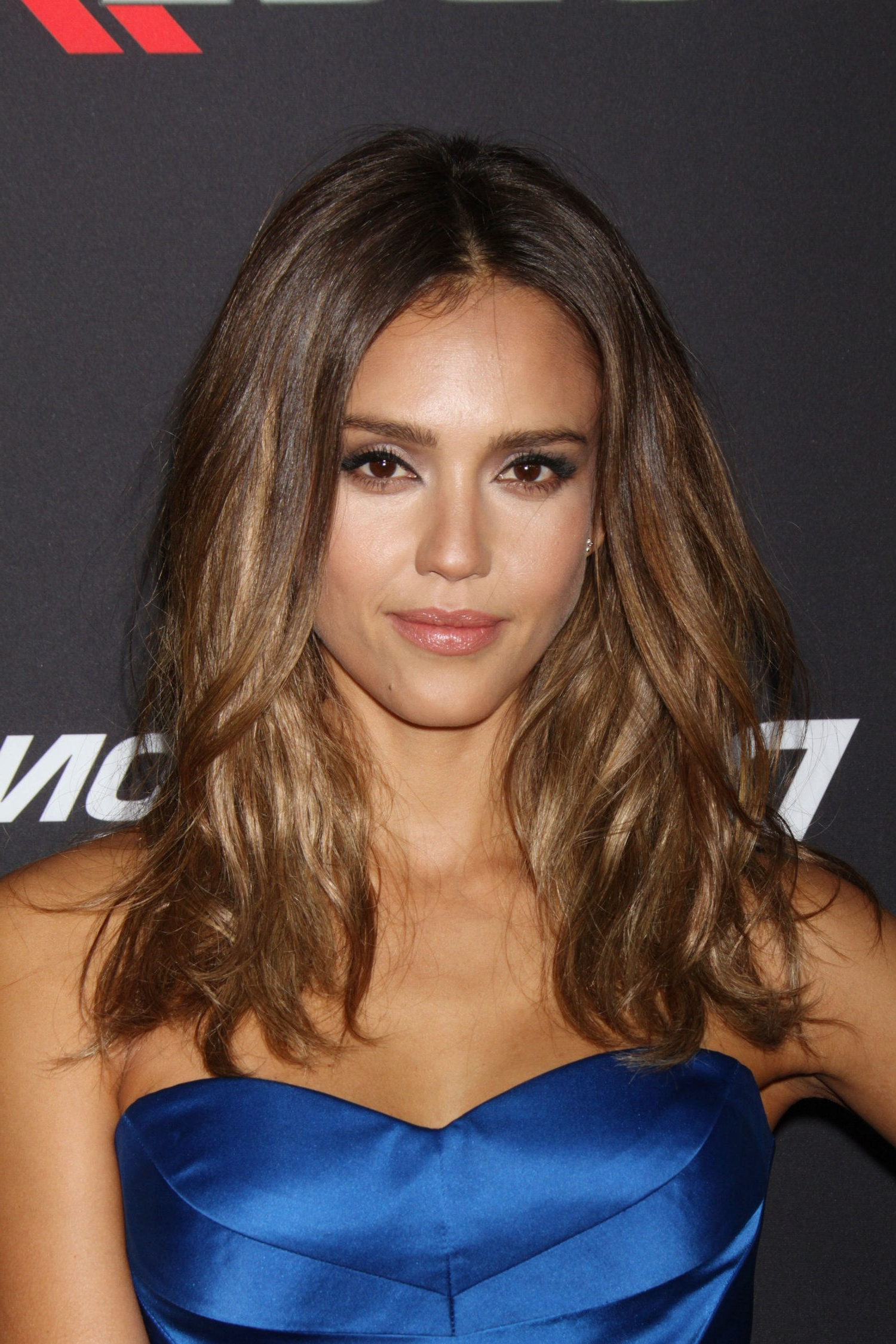 Jessica Alba Short Hair   Galhairs In Jessica Alba Short Hairstyles (View 12 of 25)